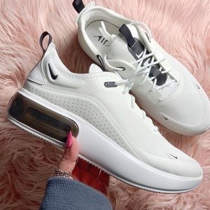New Nike Women's Air Max Dia Sneakers